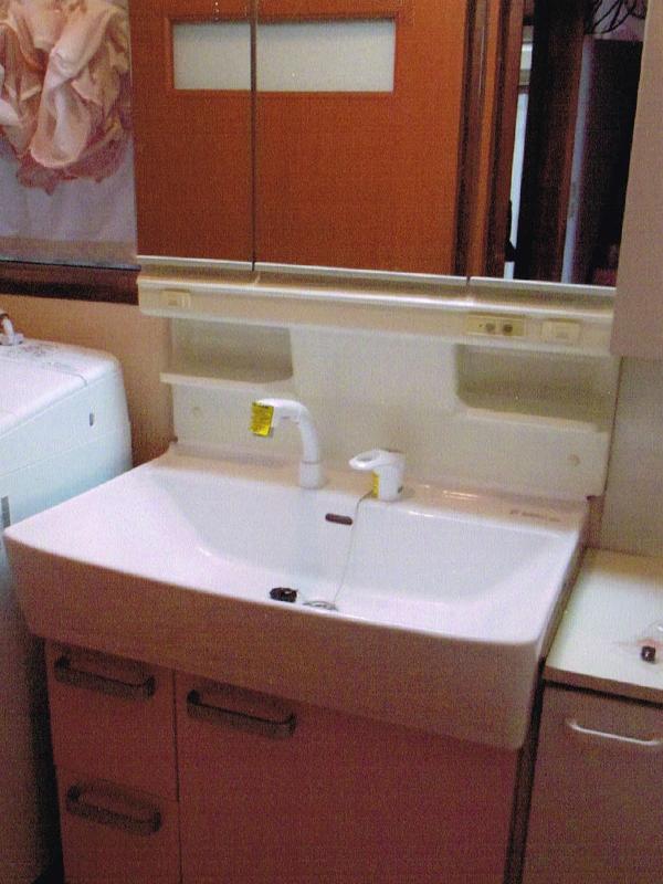 洗面化粧台のリフォーム2