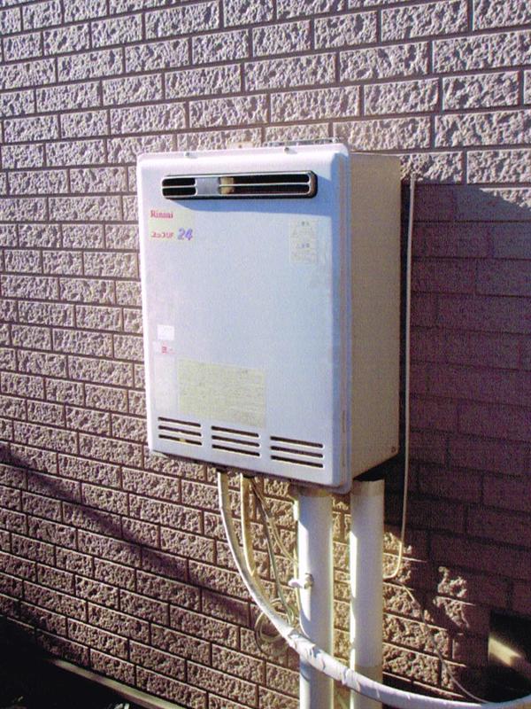 ガス給湯器のリフォーム(給湯暖房熱源機+浴室暖房乾燥機設置)1